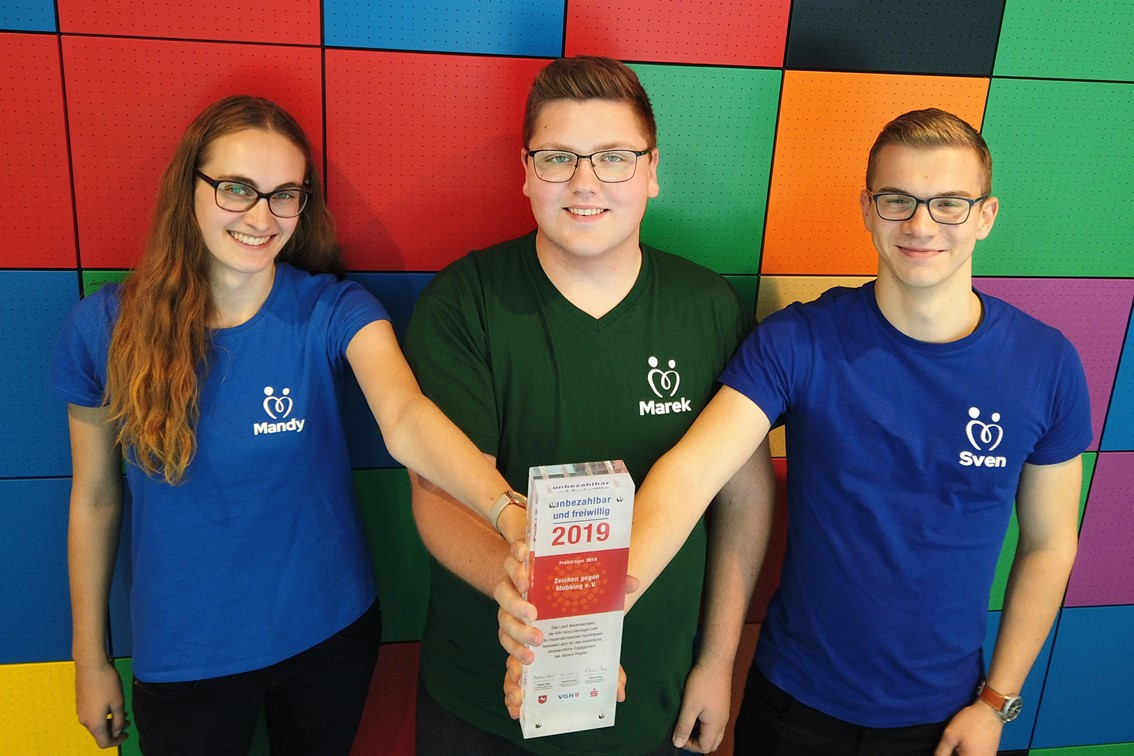 Mandy, Marek und Sven von Zeichen gegen Mobbing mit dem Niedersachsenpreis