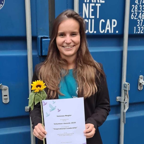 vanessa-mogler_volunteer-award